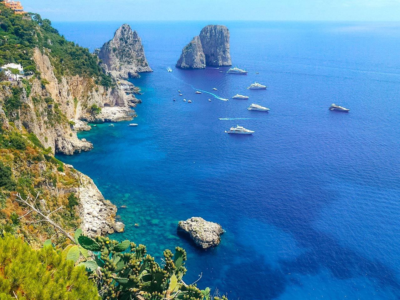 Capri e i faraglioni
